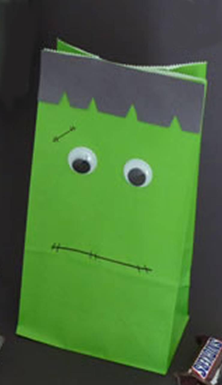 DIY Frankenstein Treat Bags - The best DIY craft project for kids for Halloween. DIY Halloween craft projects for kids. Easy and simple Frankenstein crafts.