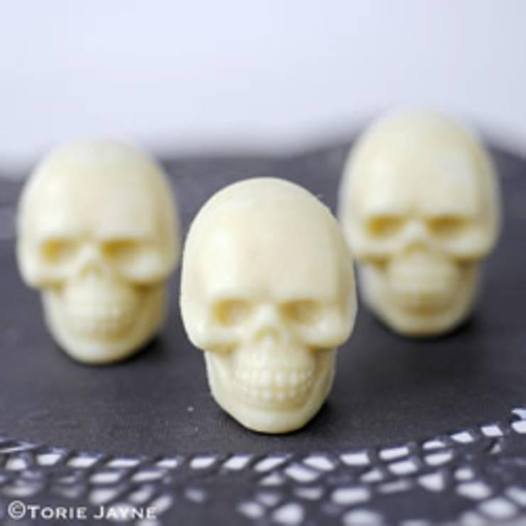 diy chocolate skulls