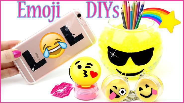 5 DIY Emoji Projects YOU NEED TO TRY - Mini Slime - Phone Case - Pillow