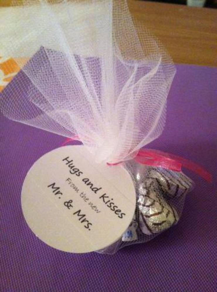 Simple Hershey Kiss Wedding Favor