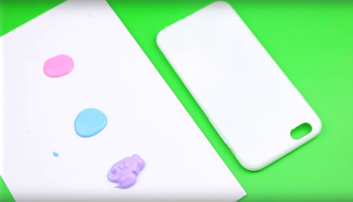 DIY Galaxy Unicorn Phone Case {Cute & Easy}