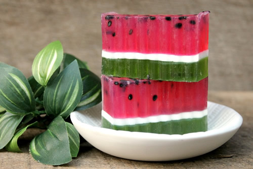 DIY Watermelon Soap Bar_How To Make Homemade Watermelon Scented Soap_Easy Recipe