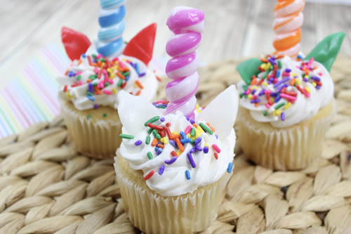 How to make Easy Unicorn Cupcake Tutorial With Edible Horn Cupcake Toppers
