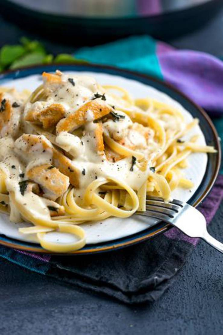 Instant Pot Chicken Fettuccini Alfredo! Chicken Instant Pot Recipes - Easy & Simple Healthy Dinners - Frozen or Fresh Chicken Ideas #instantpot #instantpotchicken #instantpotrecipes