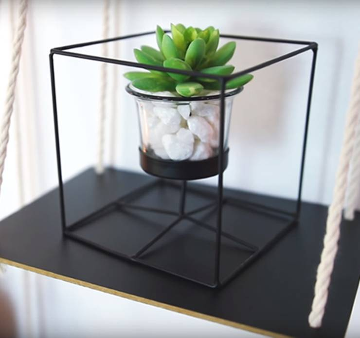 DIY Dollar Store Crafts_Dollar Store Hacks-succulent planter