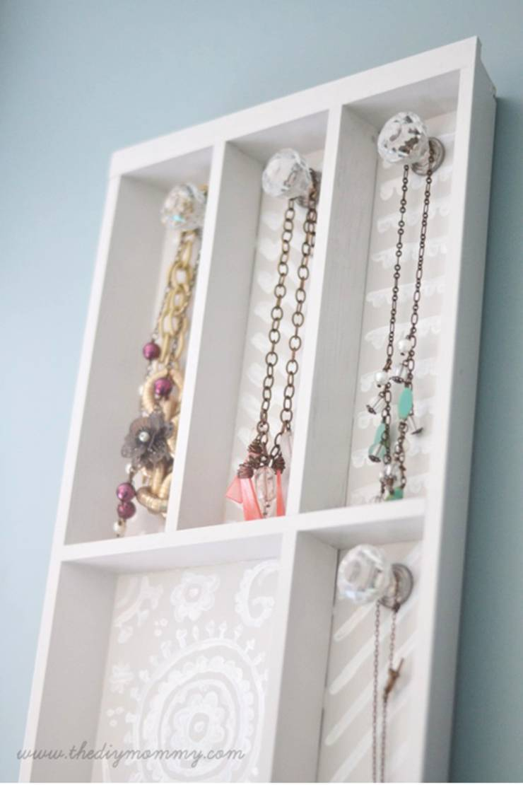 DIY Dollar Store Hack _ jewelry holder Project