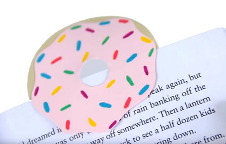 DIY Donut Corner Bookmark_tutorial - DIY Corner Bookmarks - Cute Bookmark Ideas - Learn How To Make Corner Bookmarks Tutorial Included