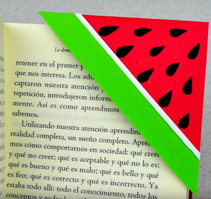 DIY Watermelon Corner Bookmark- DIY Corner Bookmarks - Cute Bookmark Ideas - Learn How To Make Corner Bookmarks Tutorial Included