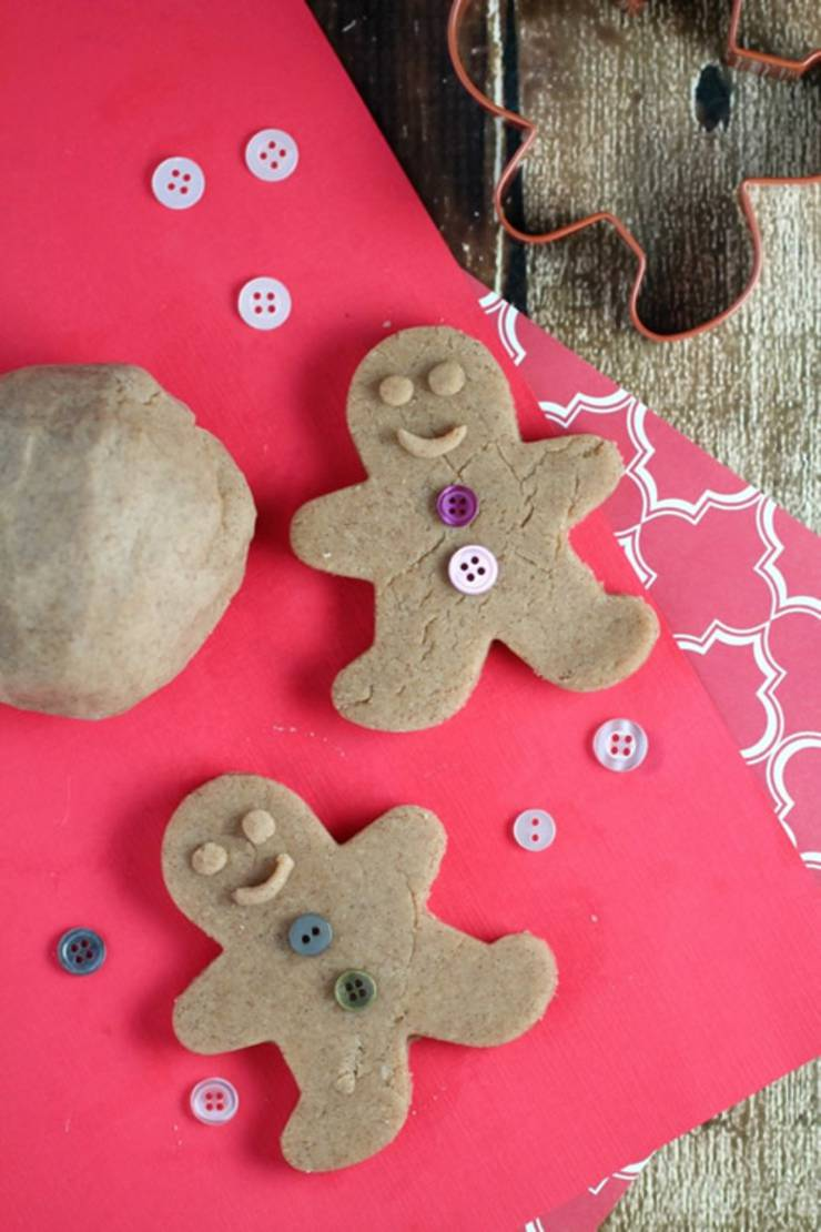 DIY edible Gingerbread-cookie-playdough