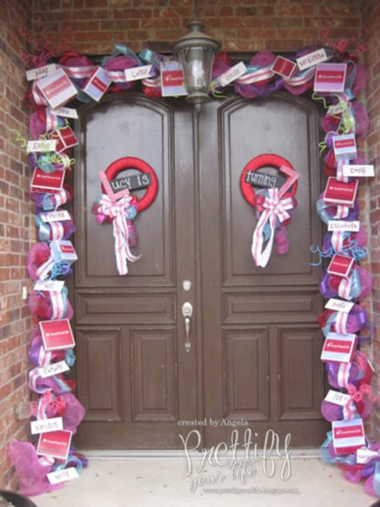 American-Girl-Doll-Front-Door-Decor-Idea