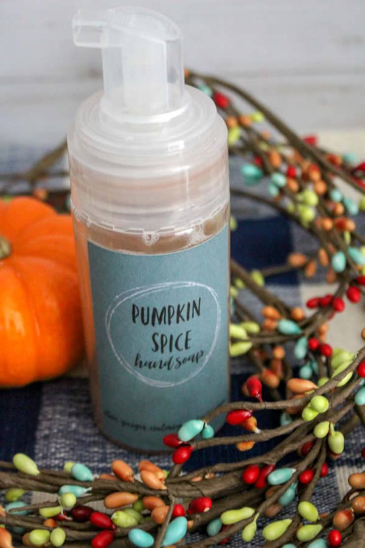 BEST Homemade Liquid Hand Soap! SIMPLE Pumpkin Spice Soap Tutorial - Easy & Cheap Recipe {How To Make DIY Idea - FREE Printable}