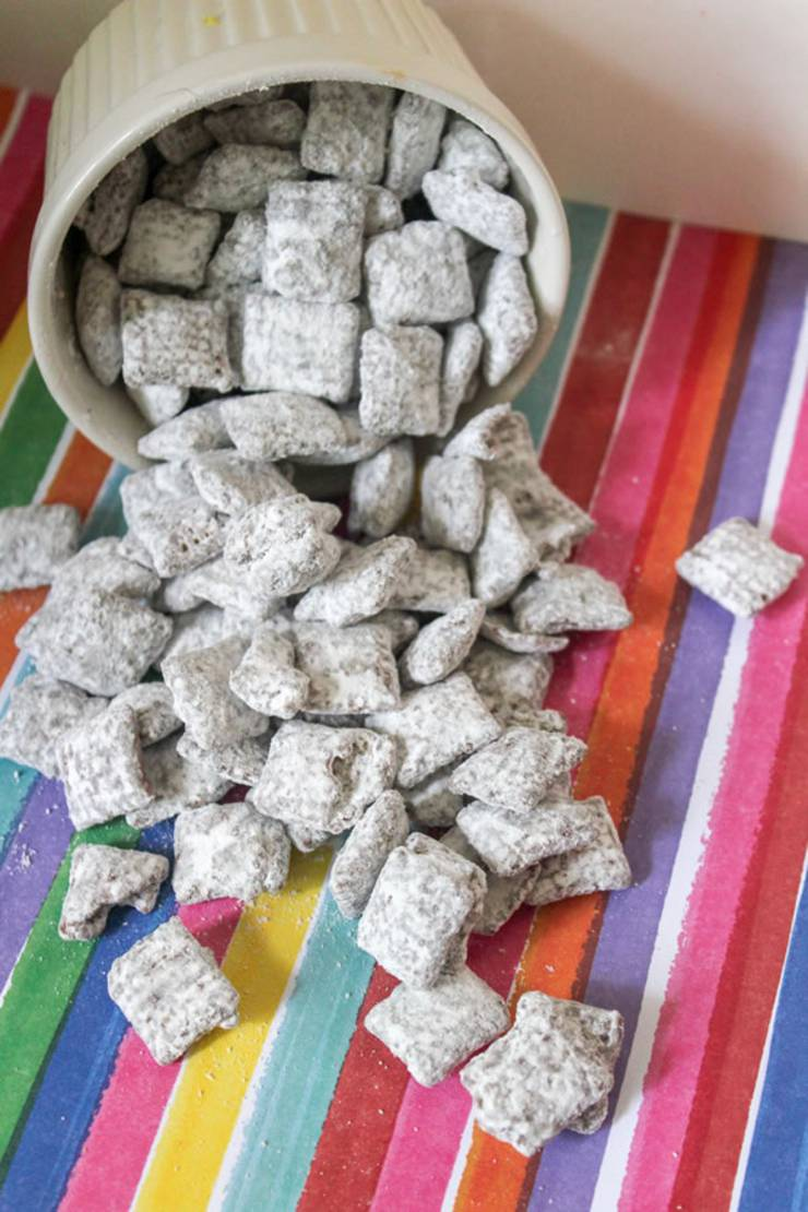 BEST Muddy Buddies! Easy Puppy Chow Recipe - How To Make YUMMY Chex Recipe - Snack - Treat - Party Food - Gluten Free