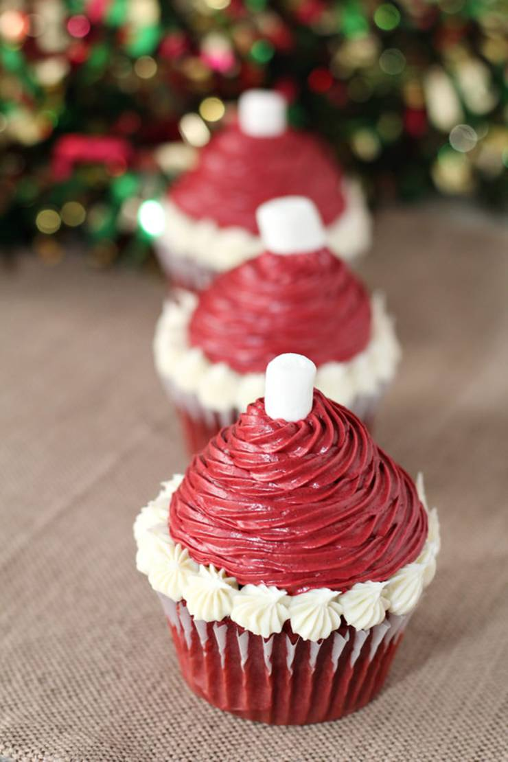 CUTE Christmas Cupcakes! Christmas Santa Hat Cupcake Idea - Easy & Simple Recipe - BEST Homemade DIY Decoration & Icing Holiday Cupcakes