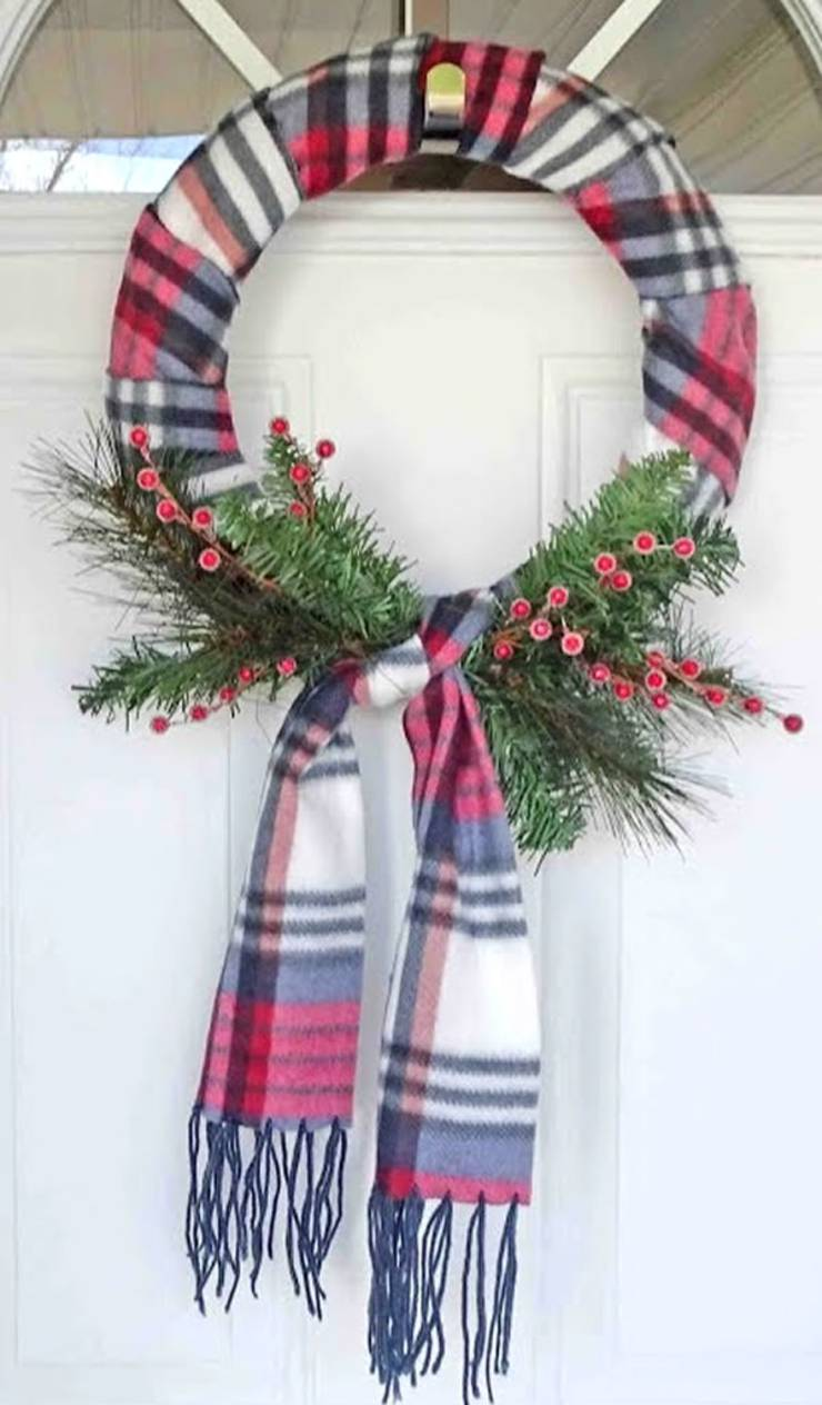 DIY Dollar Store Christmas Wreaths - Scraf Wreath