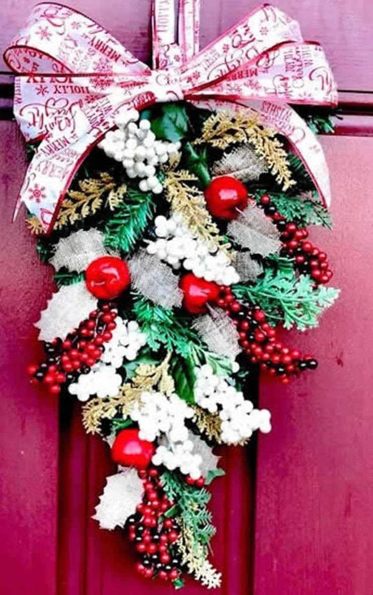 Dollar Tree DIY Christmas Decor_Easy Affordable Swag Wreath