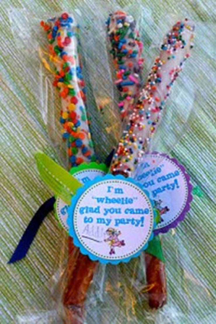 candy-roller-skating-party-favors