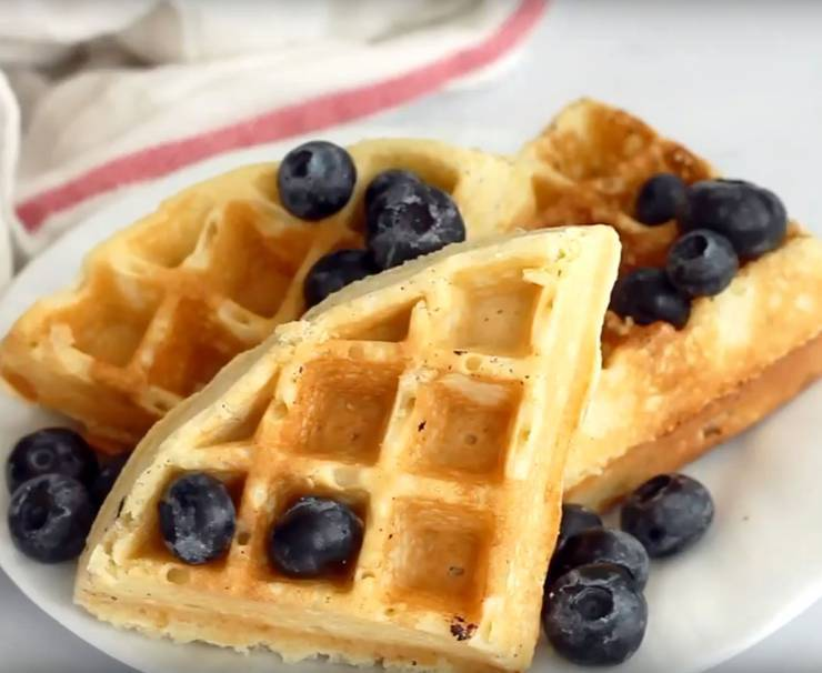 keto belgian wafffle recipe - low carb belgian waffles homemade