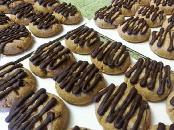 Low Carb Chocolate Drizzled Peanut Butter Cookies