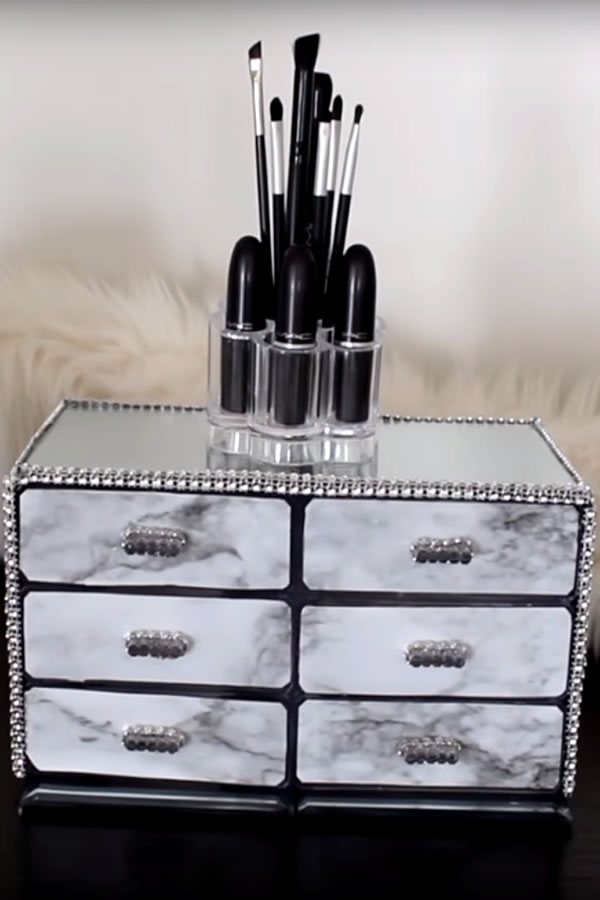 DIY Dollar Store Makeup Organization Idea