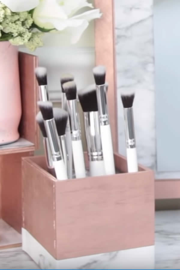 DIY Dollar Tree Makeup Brush Storage Hack