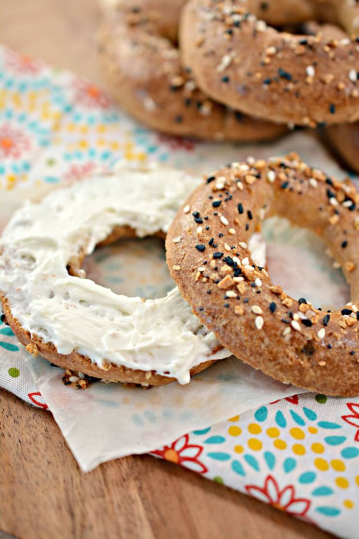 BEST Keto Bagels! Low Carb Everything Bagel Idea - Quick & Easy Ketogenic Diet Recipe - Completely Keto Friendly