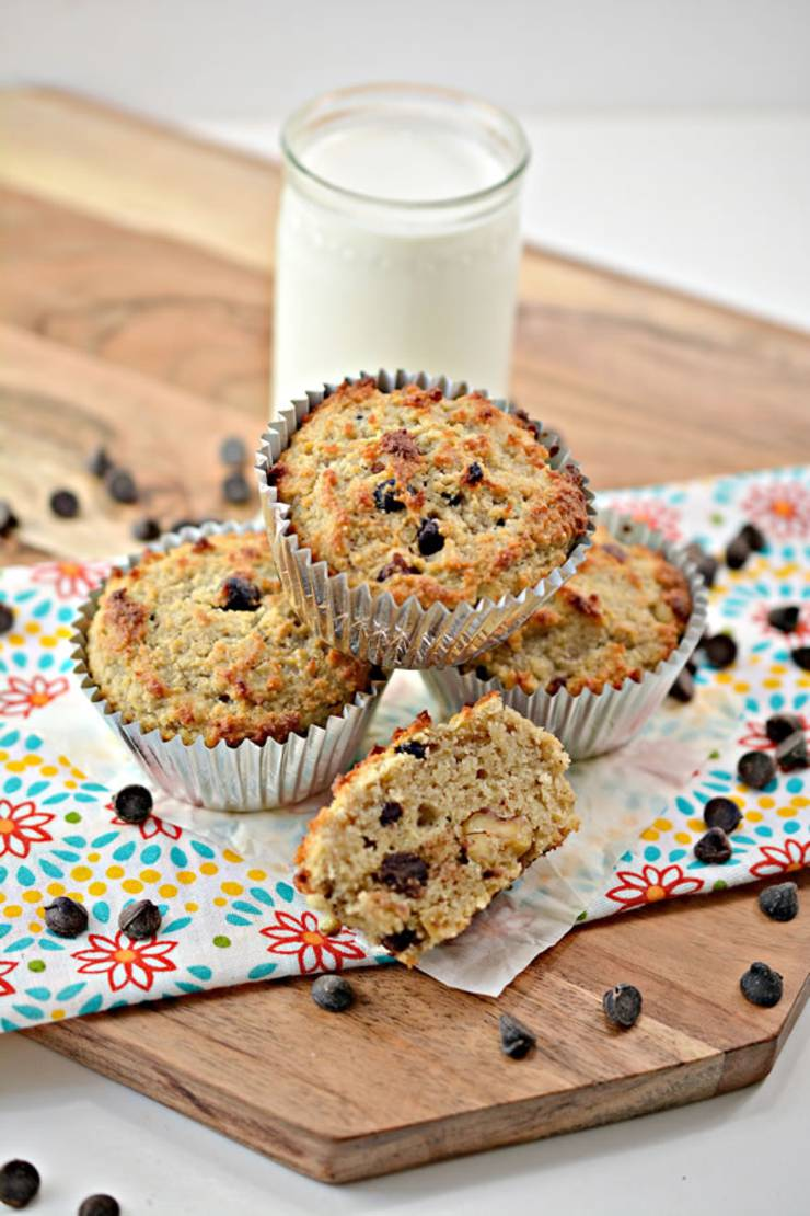 BEST Keto Muffins! Low Carb Banana Nut Chocolate Chip Muffin Idea - Quick & Easy Ketogenic Diet Recipe - Completely Keto Friendly - Sugar Free - Gluten Free