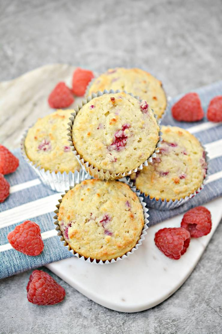 Easy keto muffins everyone will love! Low carb almond flour ketogenic diet muffins. Tasty keto breakfast muffins - quick grab and go breakfast. Best keto muffin recipe that is moist and delicious. Almond flour & coconut flour in these muffins.They are not diary free and do have egg. Simple recipe for a low carb diet and keto diet. Subsitute the raspberry with strawberry, blueberry, cinnamon, pumpkin, blackberry, lemon or chocolate. #keto #ketorecipe