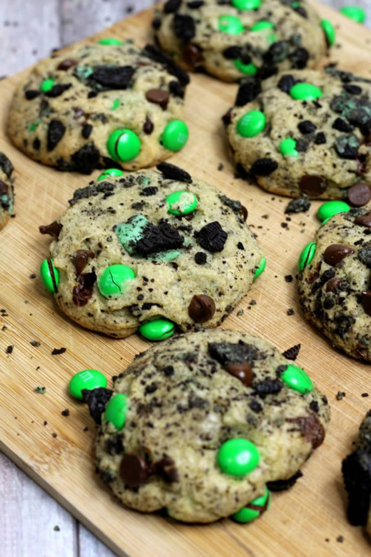 Mint Oreo Cookies! BEST Mint Chocolate Oreo Stuffed Cookie Recipe - Sweet Treats - Dessert Recipes