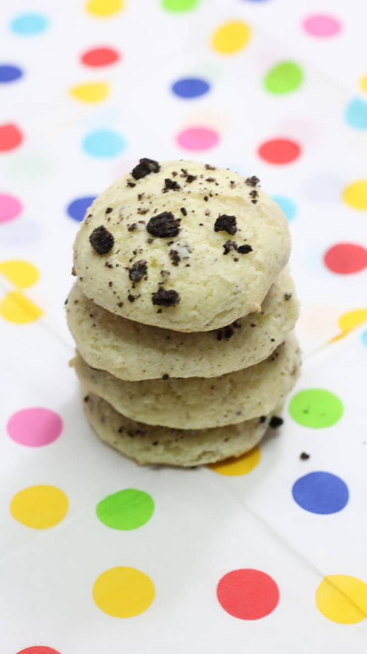 Weight Watchers Oreo Cookies – BEST WW Recipe – Dessert - Treat – Snack with Smart Points {Easy 3 Ingredients}