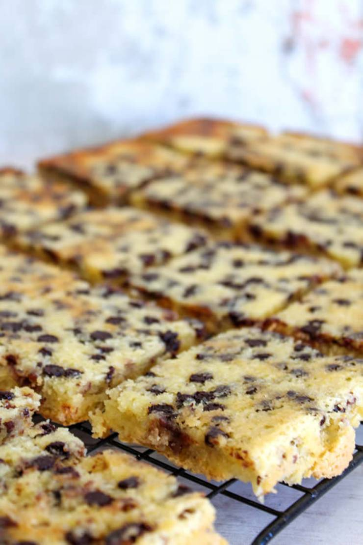BEST Keto Cookies! Low Carb Keto Chocolate Chip Cookie Bars Idea – Sugar Free – Quick & Easy Ketogenic Diet Recipe – Completely Keto Friendly