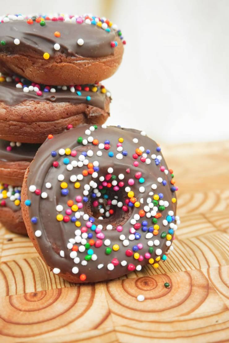 BEST Vegan Donuts! Vegan Baked Chocolate Glazed Donut Idea – Quick & Easy Vegan Recipe