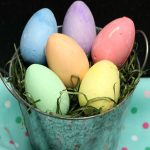 Dollar Store Easter Decorations – Easy DIY Crafts – How To Make Chalk Easter Egg Centerpiece – Simple Decor Ideas For The Home – Dollar Tree Hacks