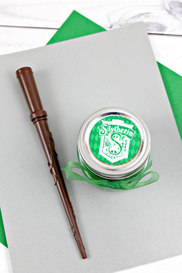 DIY Harry Potter Slime – How To Make Homemade Harry Potter Slytherin Slime – Easy & Fun Recipe For Kids – Kids Crafts Activities – Party Favors – Slime Idea