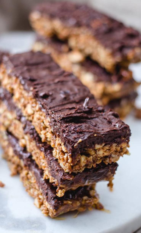 BEST Keto Granola Bars! Low Carb Keto Chocolate NO Bake Granola Bar Idea – Quick & Easy Ketogenic Diet Recipe – Completely Keto Friendly
