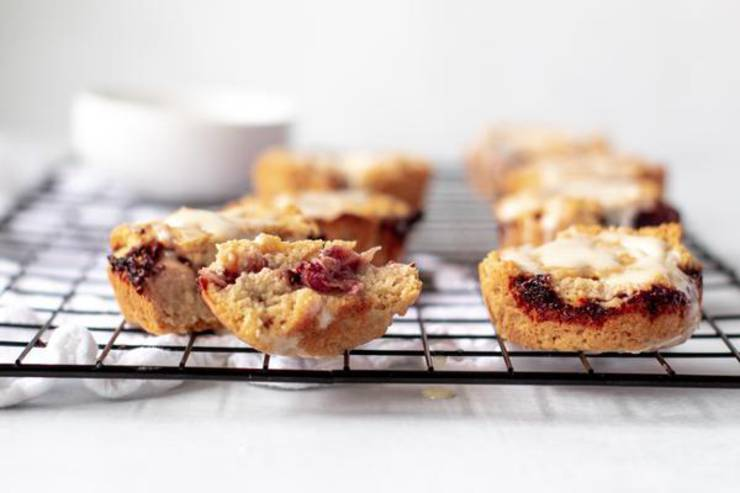 Keto Snacks! BEST Low Carb Keto Peanut Butter and Jelly Cups Idea – Quick & Easy Ketogenic Diet Recipe – Completely Keto Friendly