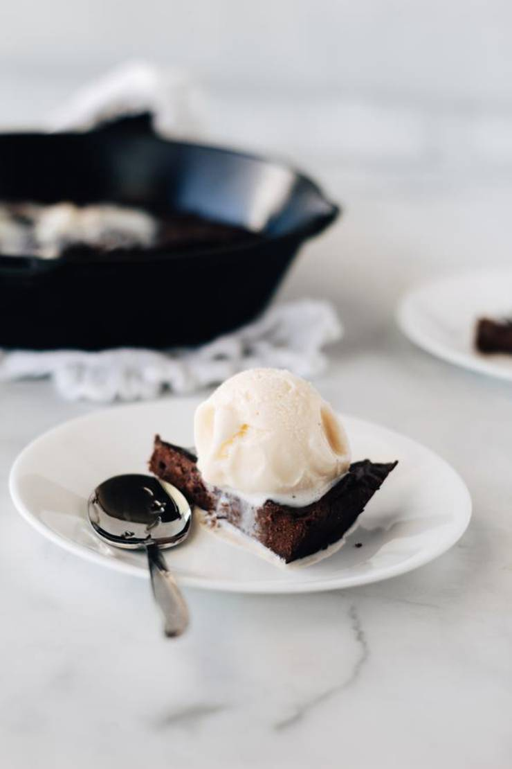 5 Ingredient Keto Brownies – BEST Low Carb Keto Chocolate Skillet Brownie Recipe – Easy NO Sugar - Gluten Free