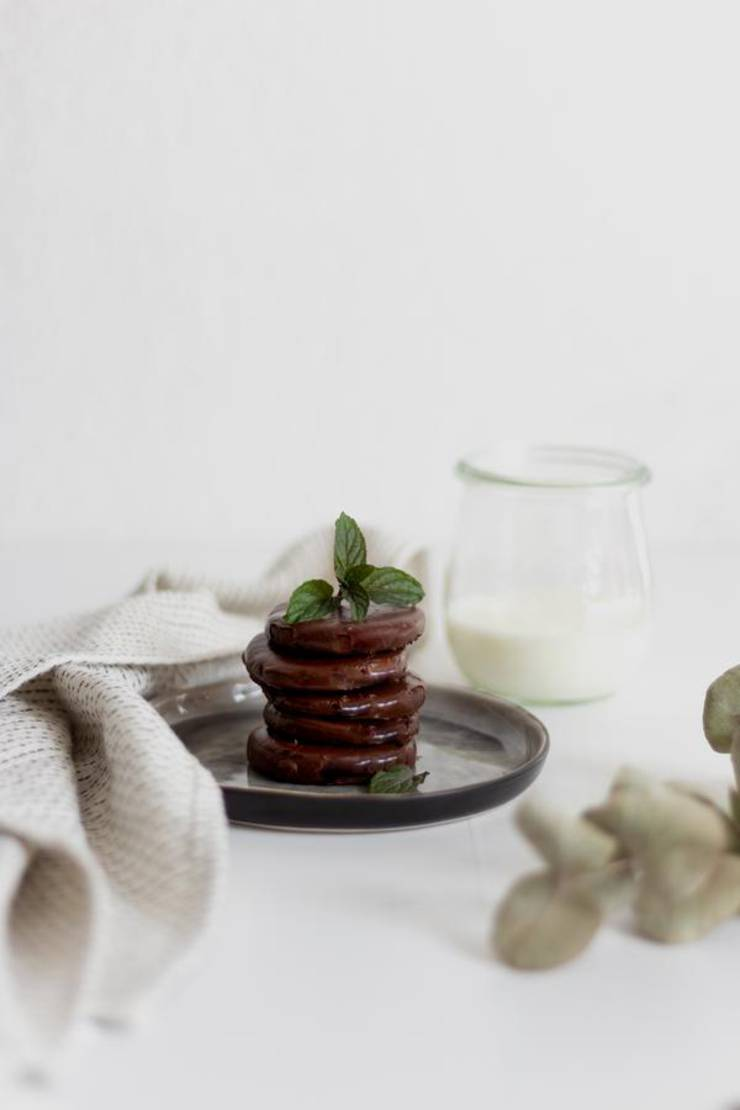 BEST Keto Thin Mint Cookies! Low Carb Keto Cookie Idea – Quick & Easy Ketogenic Diet Recipe – Completely Keto Friendly – Gluten Free – Sugar Free Copycat Girl Scout Cookies