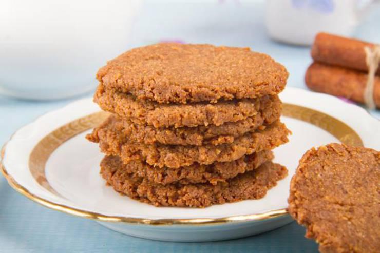 4 Ingredient Keto Cookies! BEST Low Carb Crispy Cinnamon Sugar Cookie Idea - Quick & Easy Ketogenic Diet Recipe – Completely Keto Friendly