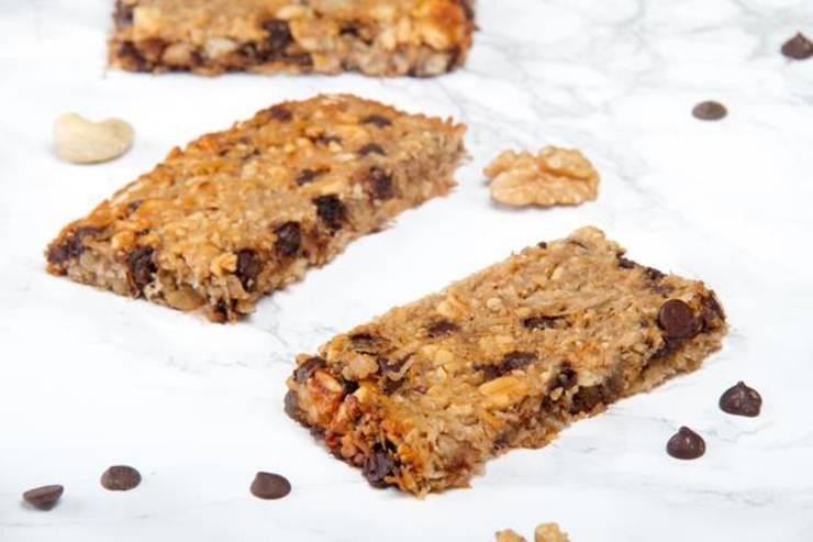 BEST Keto Granola Bars! Low Carb Keto Chocolate Chip Granola Bar Idea – Quick & Easy Ketogenic Diet Recipe – Snacks - Desserts - Breakfast