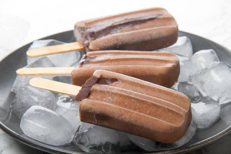 5 Ingredient Keto Fudgesicle Popsicles – BEST Keto Vegan Fudgesicles – {Easy – NO Bake} NO Sugar Low Carb Recipe