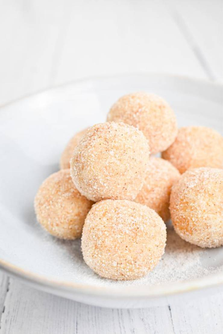 5 Ingredient Keto Donut Hole Fat Bombs – BEST Cinnamon Sugar Donut Holes Fat Bombs – NO Bake – Easy NO Sugar Low Carb Recipe