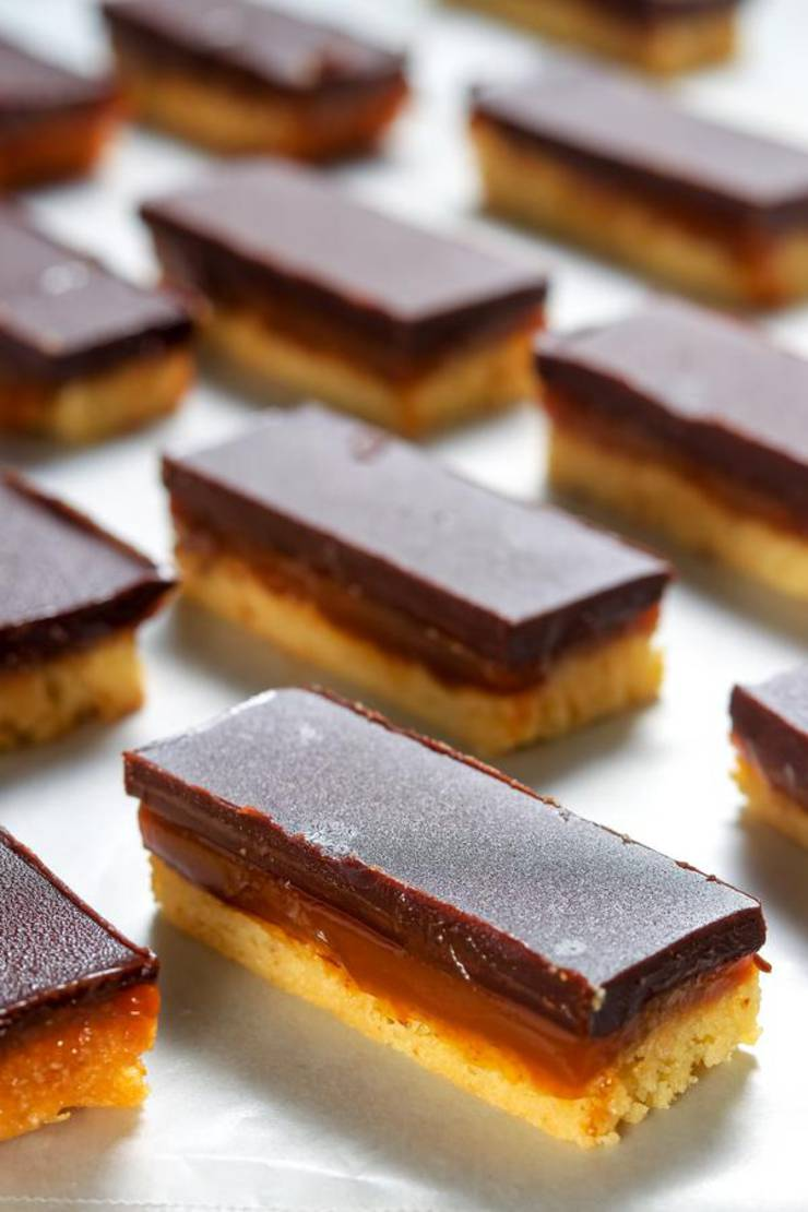BEST Keto Candy! Low Carb Keto Twix Candy Bar Idea – Quick & Easy Ketogenic Diet Recipe – Completely Keto Friendly – Gluten Free – Sugar Free