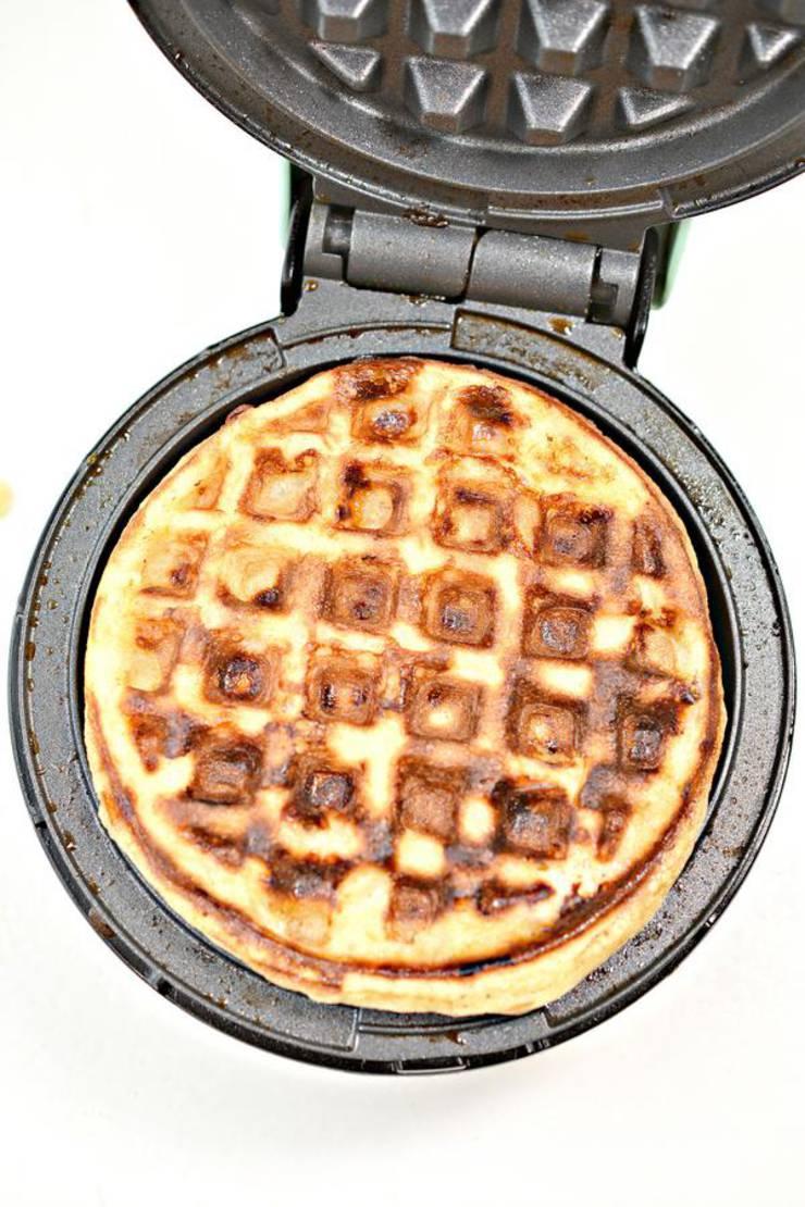 Keto Chaffle Apple Pie