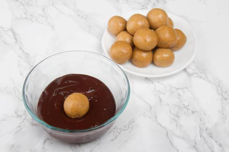 Keto Chocolate Peanut Butter Fat Bombs_Low Carb