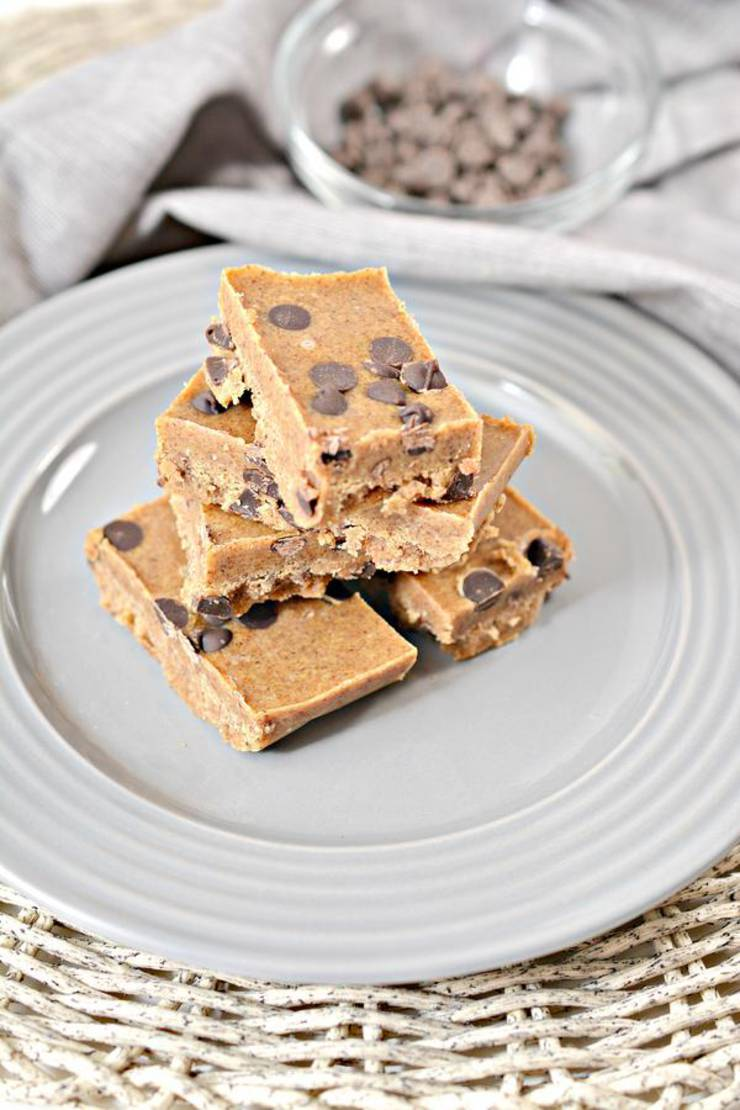 Keto Fudge! BEST Low Carb Keto Cookie Dough Chocolate Chip Fudge Idea – Quick & Easy Ketogenic Diet Recipe – Completely Keto Friendly