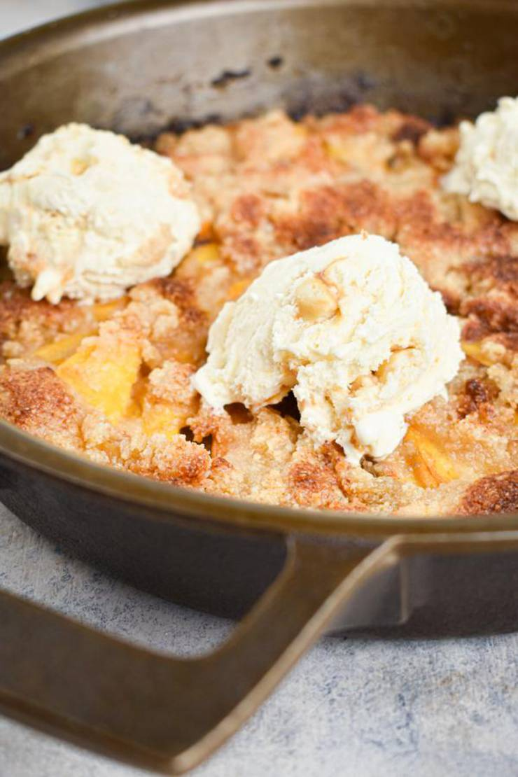 BEST Keto Peach Cobbler! Low Carb Keto Peach Cobbler Idea – Quick & Easy Ketogenic Diet Recipe – Completely Keto Friendly