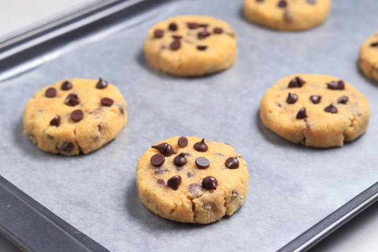 Keto Salted Caramel Chocolate Chip Cookies