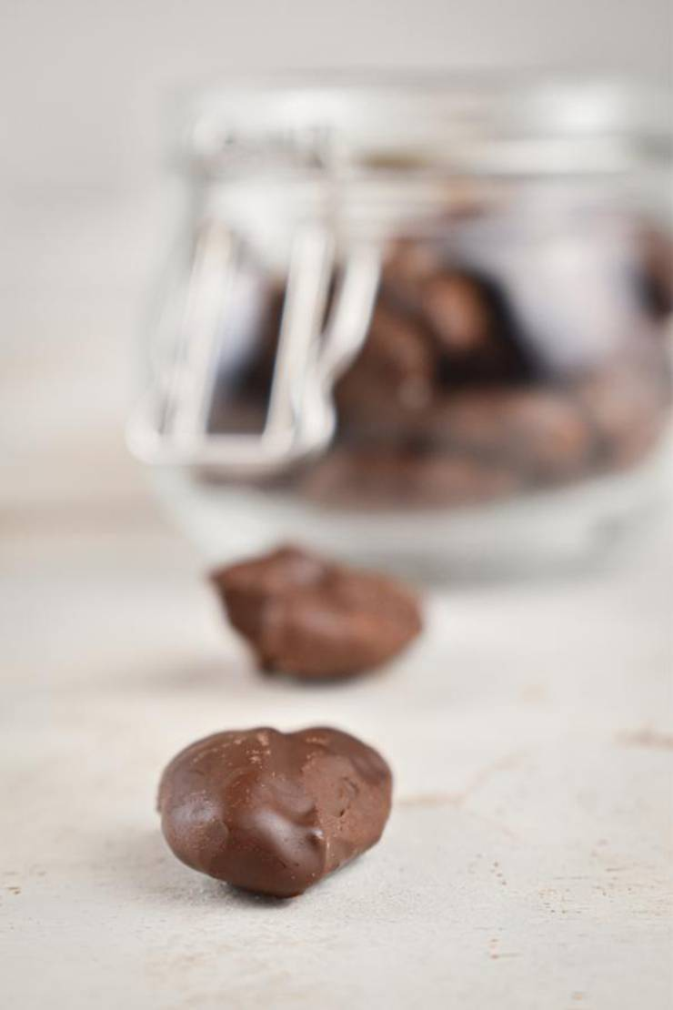 BEST Keto Pecans! Low Carb Keto Chocolate Coated Pecans Idea – Sugar Free – Quick & Easy Ketogenic Diet Recipe – Completely Keto Friendly