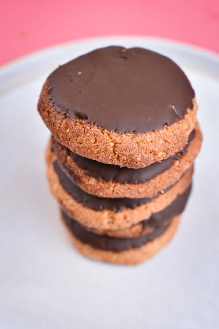 5 Ingredient Keto Cookies – BEST Low Carb Keto Chocolate Peanut Butter Cookie Recipe – Easy NO Sugar – Gluten Free