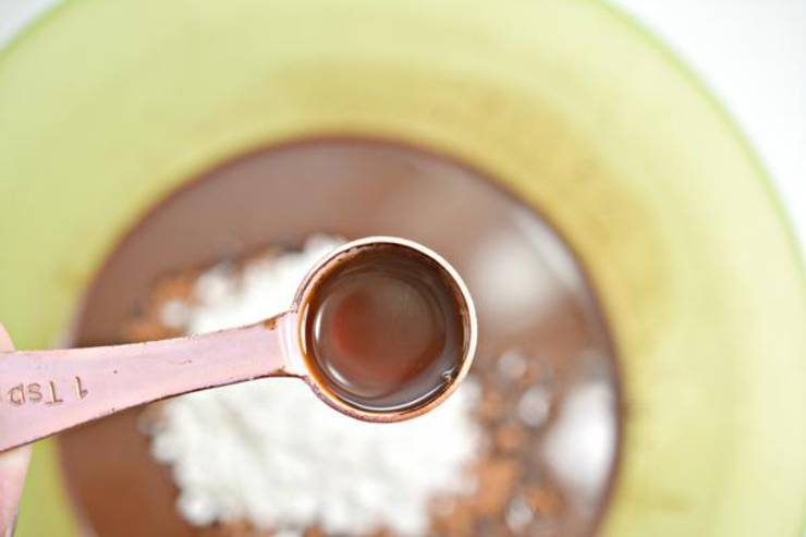 Keto Raspberry And Pistachio Chocolate Bark